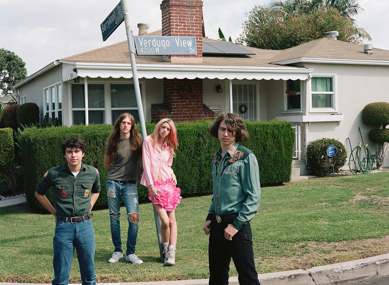 Starcrawler air new track 'She Gets Around'