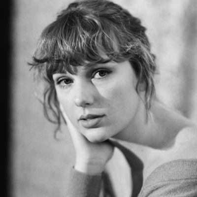 Taylor Swift posts cryptic teaser online