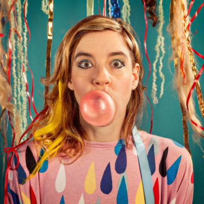 tUnE-yArDs share video for 'Wait For A Minute'