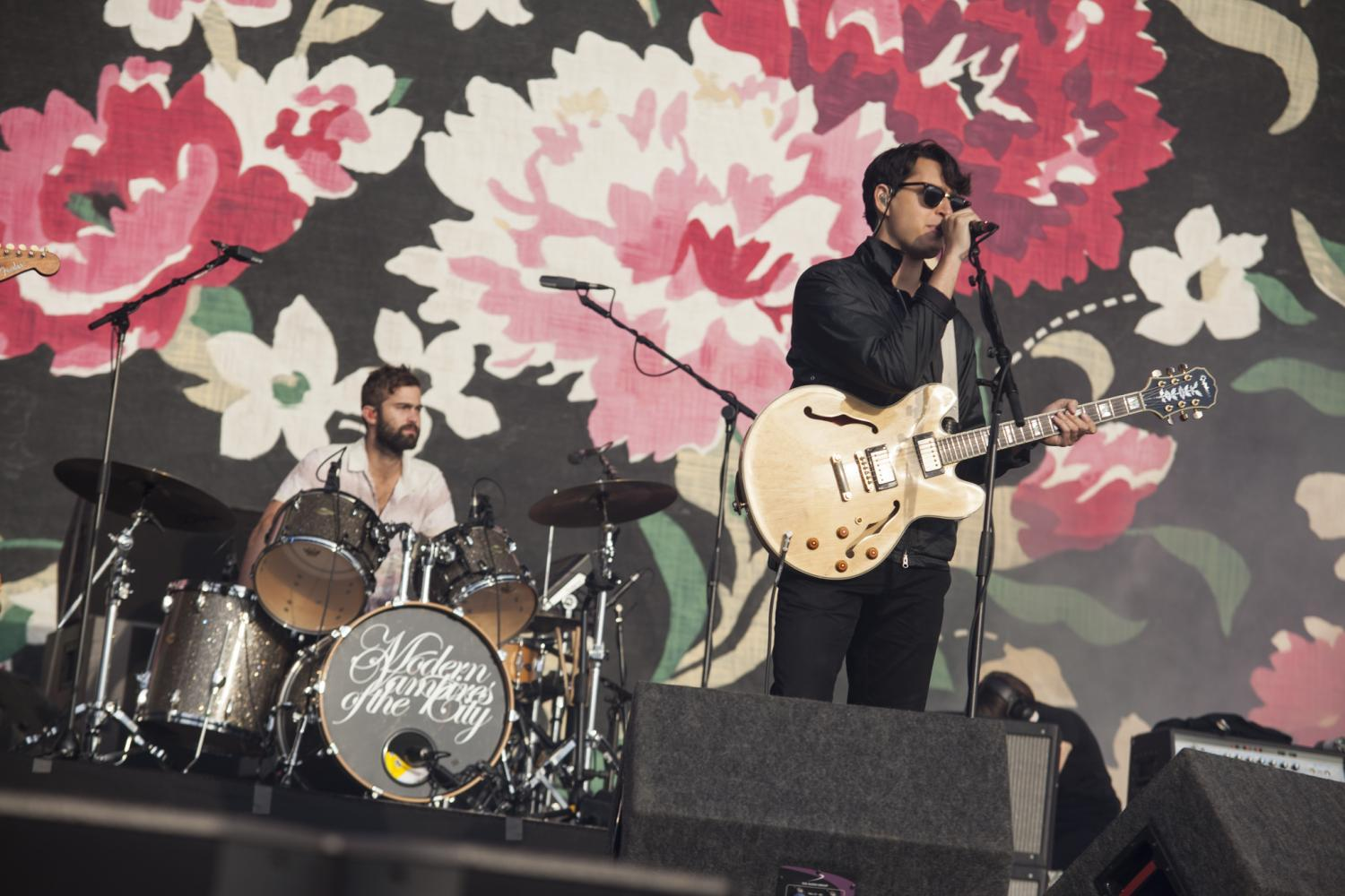 Watch Vampire Weekend and Danielle Haim cover 'The Boys Are Back In Town'