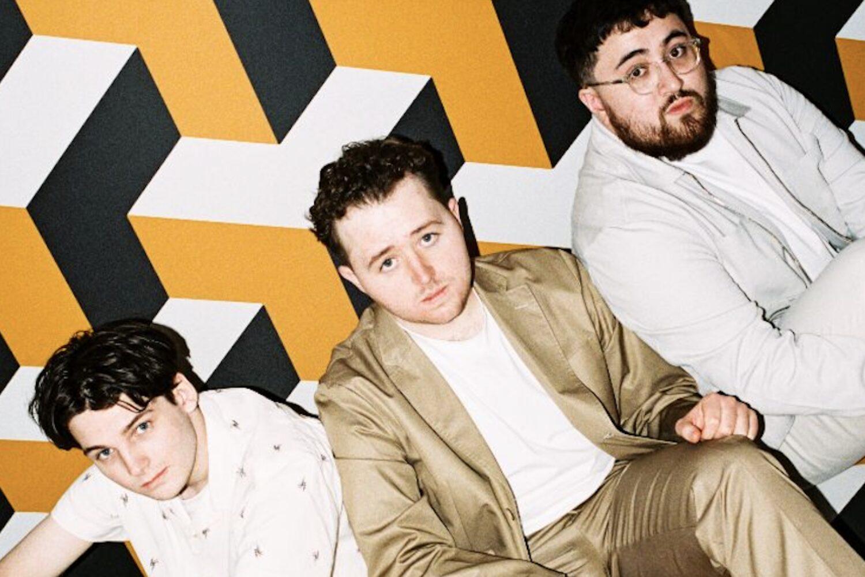 Vistas unveil new single 'Dayglow'