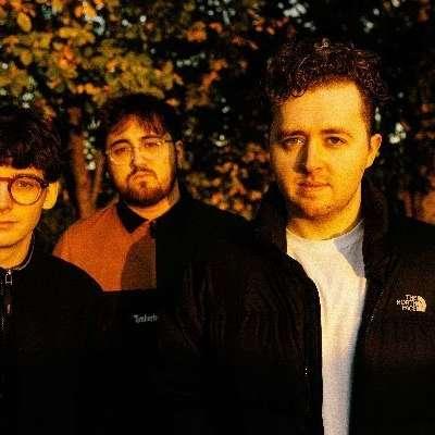 Vistas return with 'Teenage Blues'