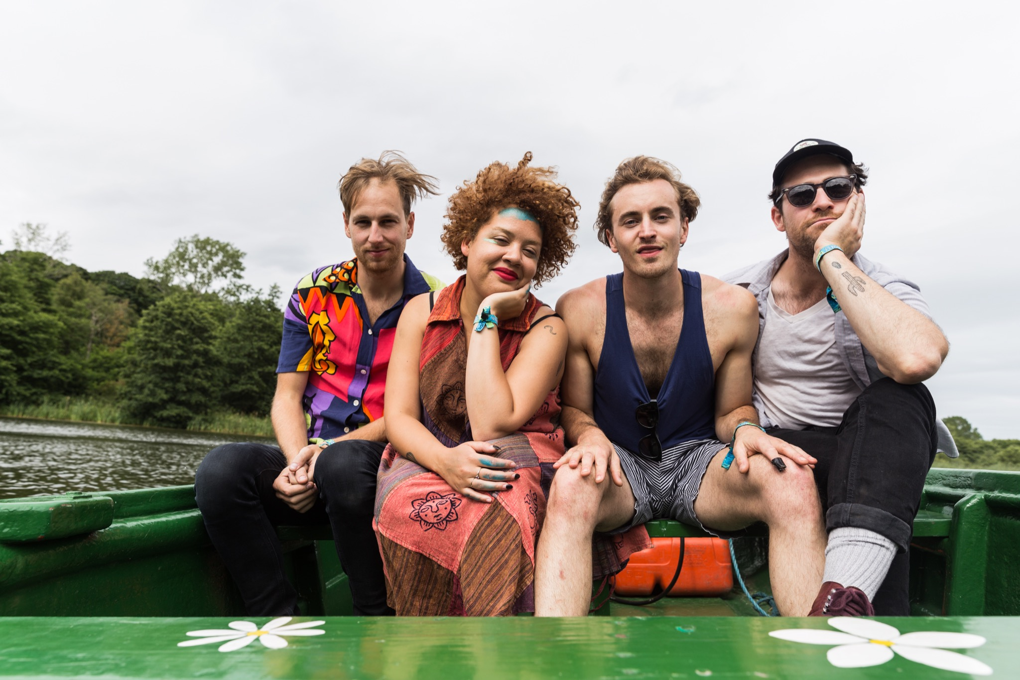 "Weaves talk Latitude: ""Just as we were about to go on, my nail fell off!"""