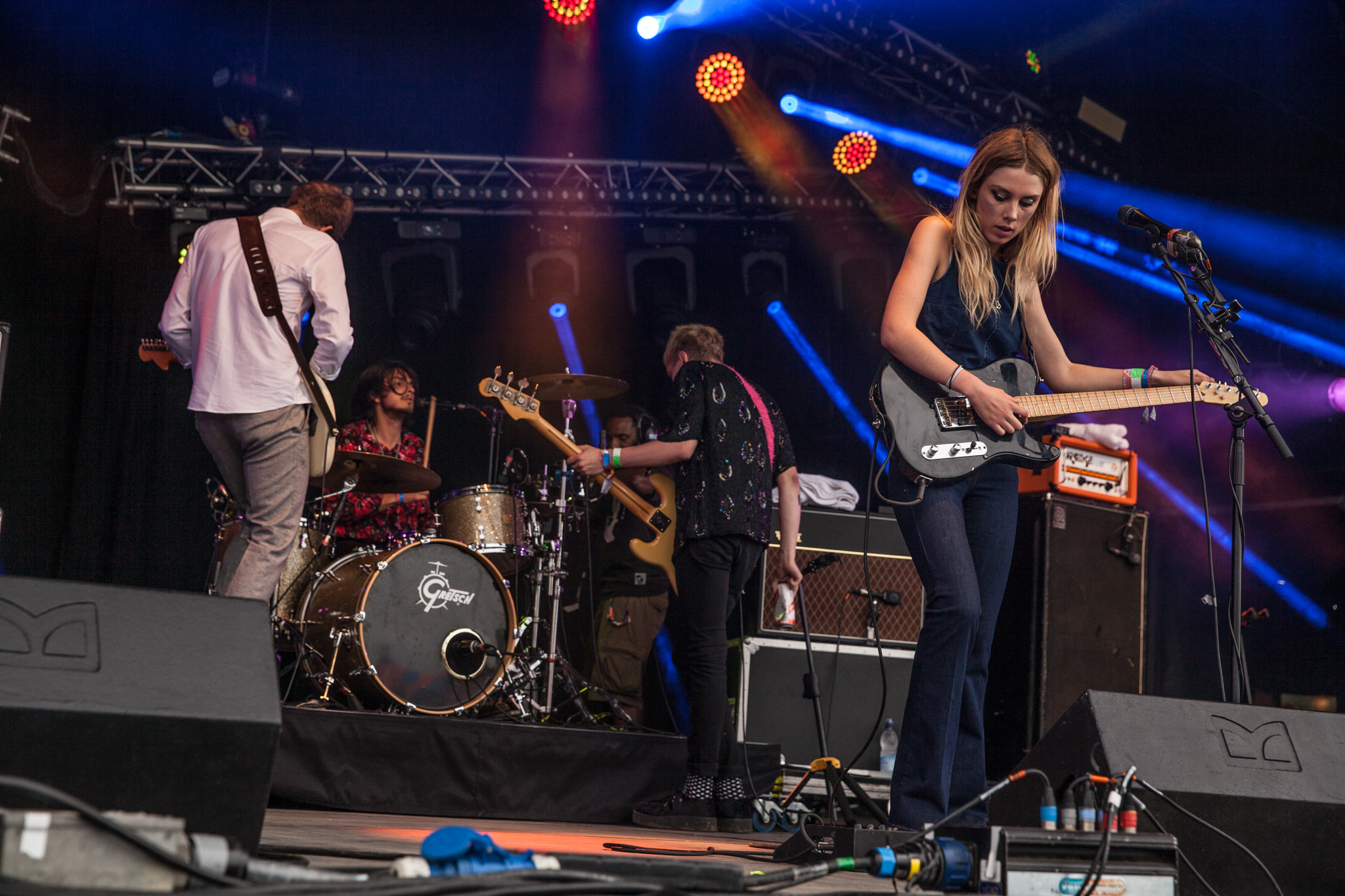 Wolf Alice battle scheduling errors to win over Glastonbury's Park Stage