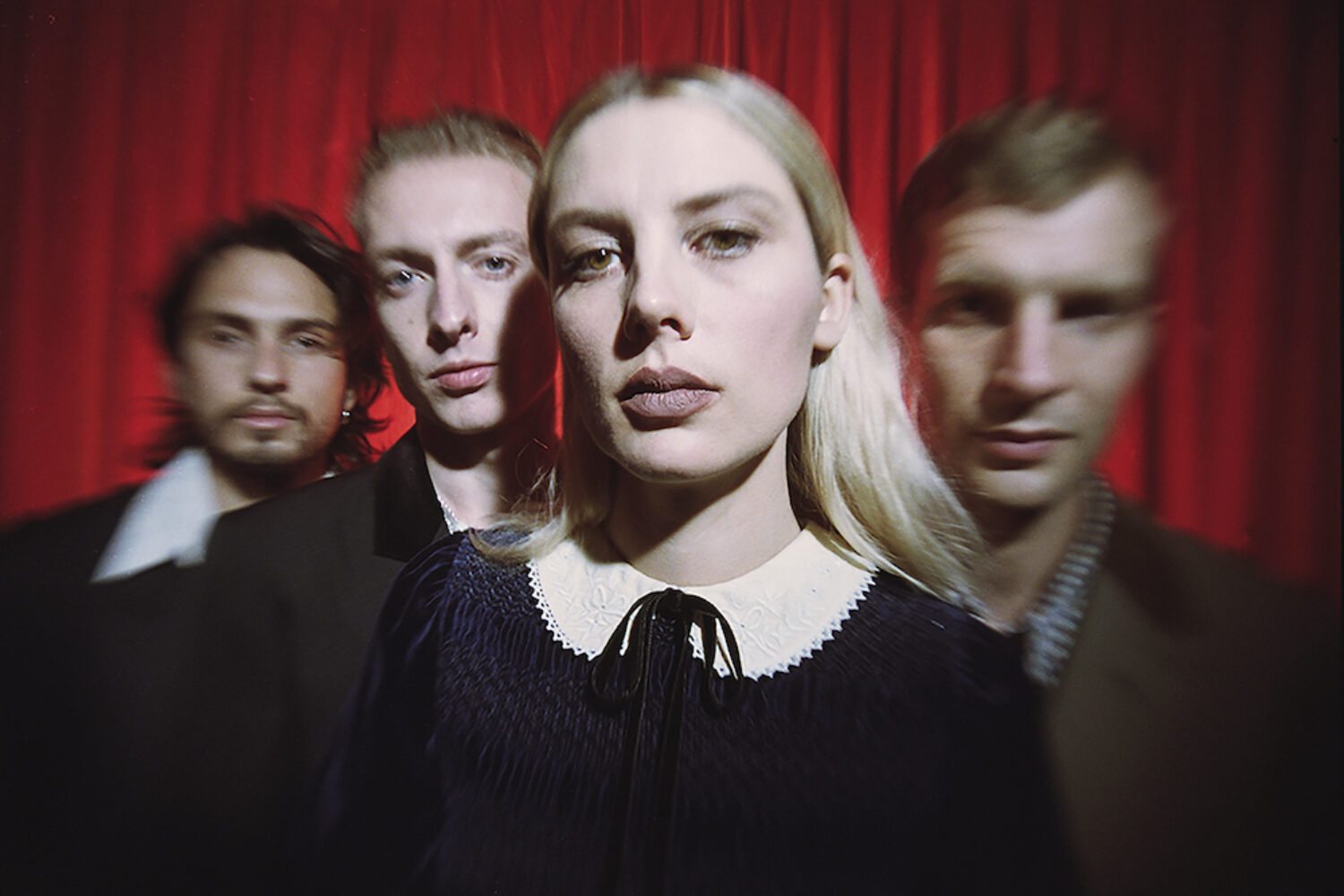 Wolf Alice release new single 'Smile'
