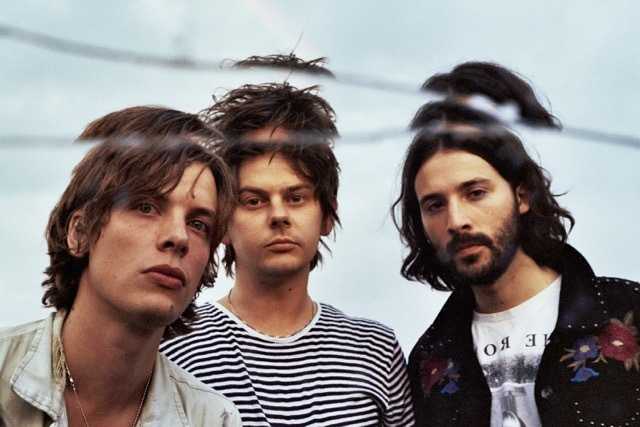 Yak to support Foals on UK and European tour