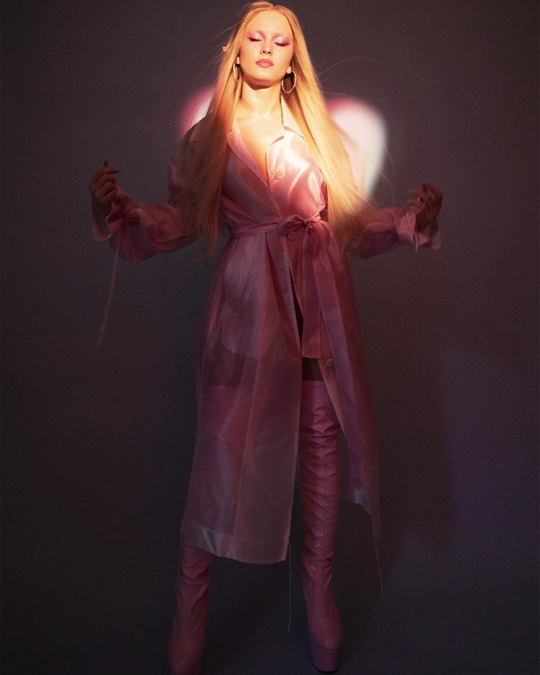 Zara-Larsson-by-Arvida-Bystrom-DIY-Magaz